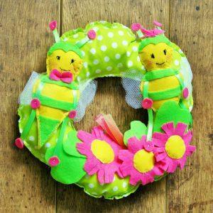 Tavaszi méhecske ajtódísz