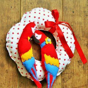Valentine papagáj ajtódísz