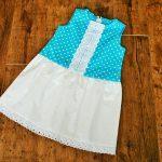 csipkés ruha kék pöttyös