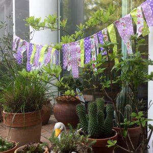 dekorációs füzér lila zöld party