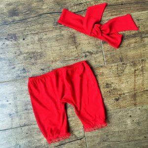 piros baba rövidnadrág fodorral