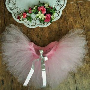 rózsaszín tütü ezüst szalaggal