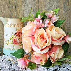 vntage rózsás dekoráció