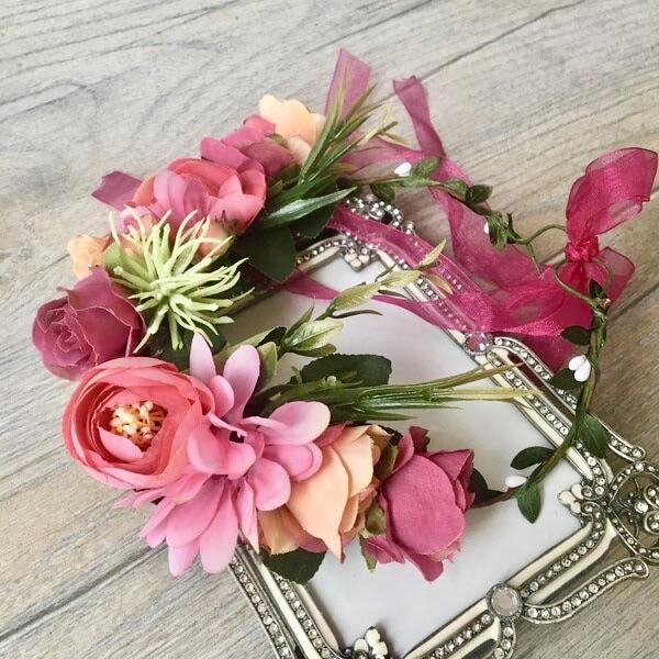 virágos hajkoszorú